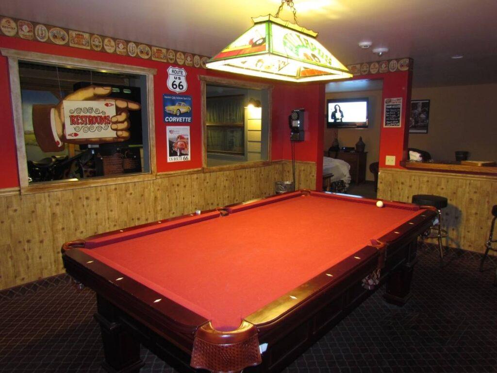 Anniversary Inn, Logan, Utah, Logan's Heroes, inn, lodging, Harley Davidson, motorcycle, bed & breakfast