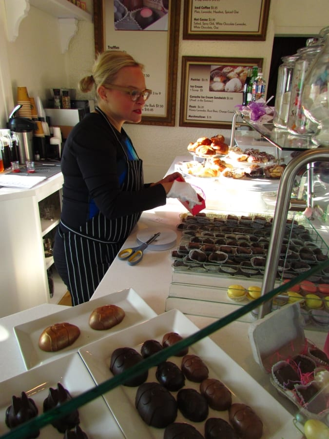 Elle's Patisserie - Springfield Missouri - Sweets - Chocolate shops