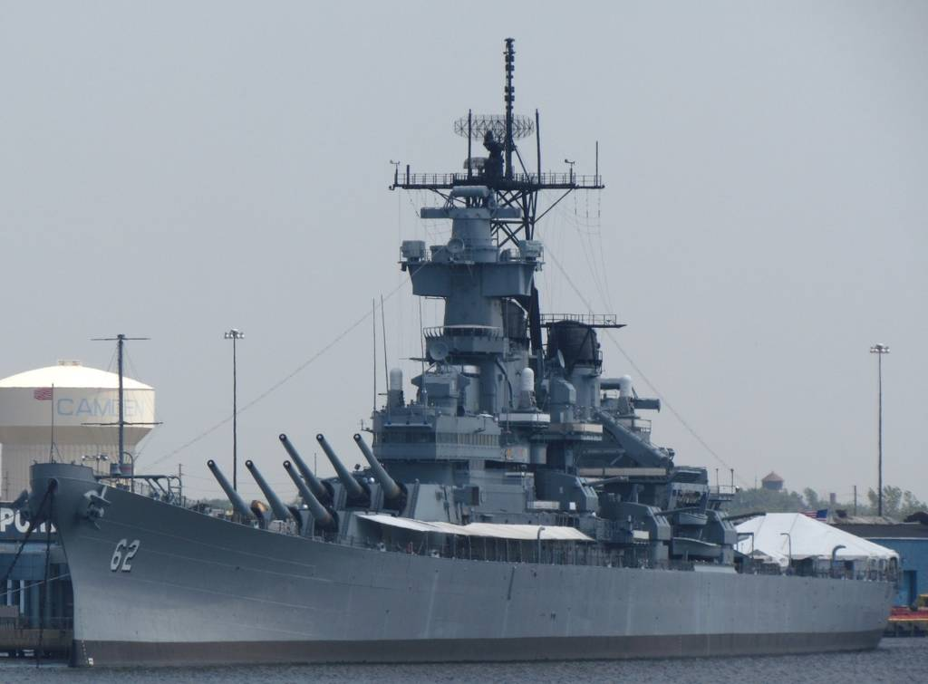 USS New Jersey - battleship - US Navy - WWII - Korean War - Vietnam War - Flagship - Philadelphia