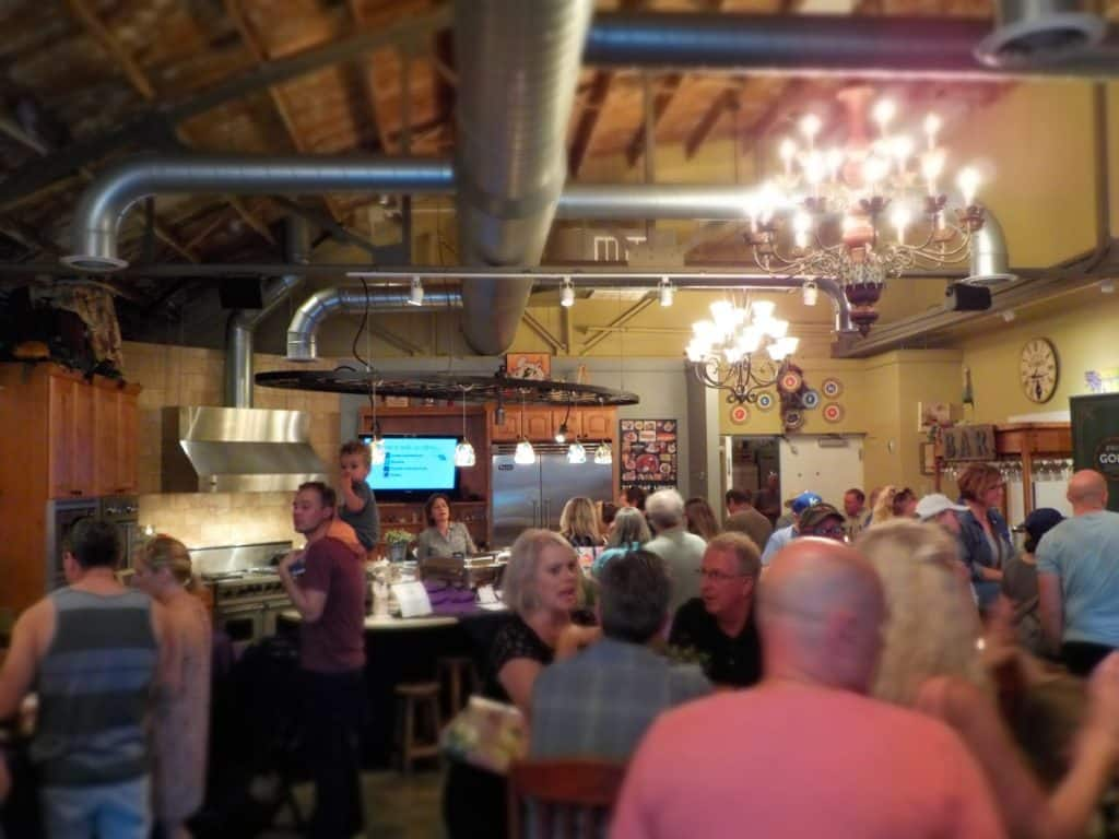 Local Life - 3rd Friday - Overland Park - shopping - live music - food - wine tastings