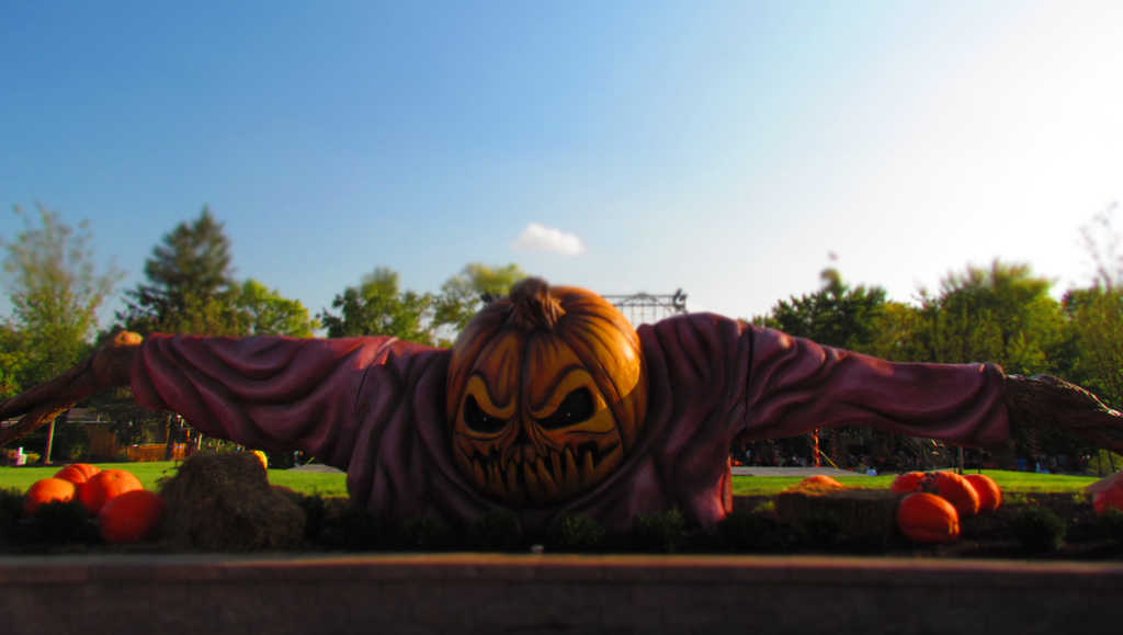 Worlds of Fun-Halloween Haunt-Halloween-scare-haunted house-scare zones