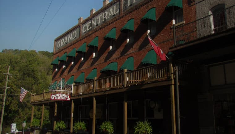 Grand Central Hotel-Eureka Springs-Arkansas-downtown lodging-historic hotel-Grand Taverne