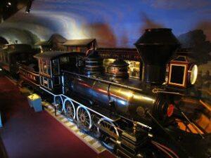 kansas musem, history, kansas, topeka, artifacts,train