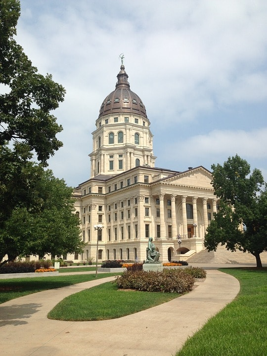 day trip, topeka's 10th street, kansas, capitol, zoo, freddy's burgers, dining, travel, tourist, museum, history