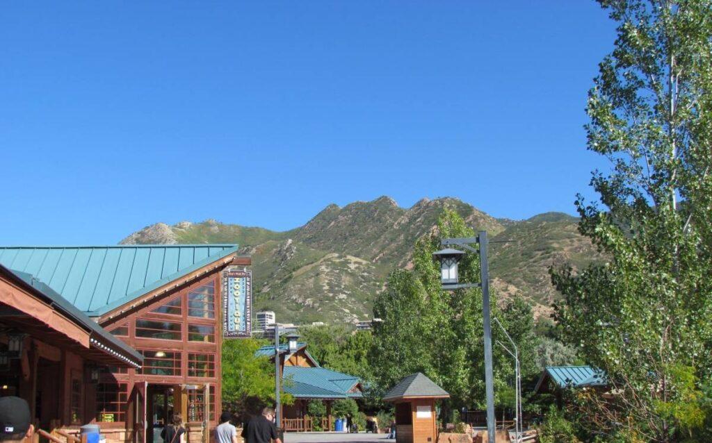 Hogle Zoo, salt lake city, Utah, zoo, park, Wasatch mountains, animals, nature, scenic,