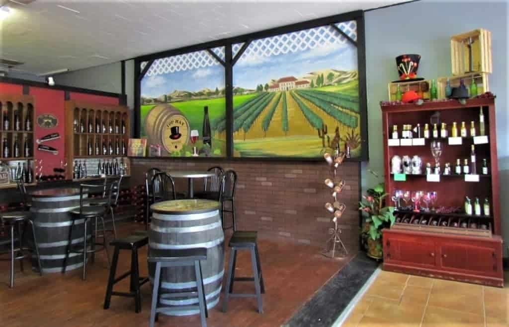 Top Hat Winery - winery - Independence Missouri - wines - tasting room