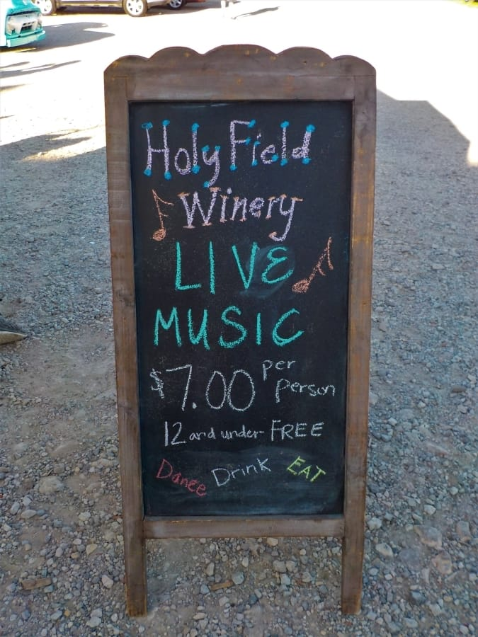 Holyfield Winery - vineyard - Guitar Elation - blogger - wine - pizza - Prairie Fire