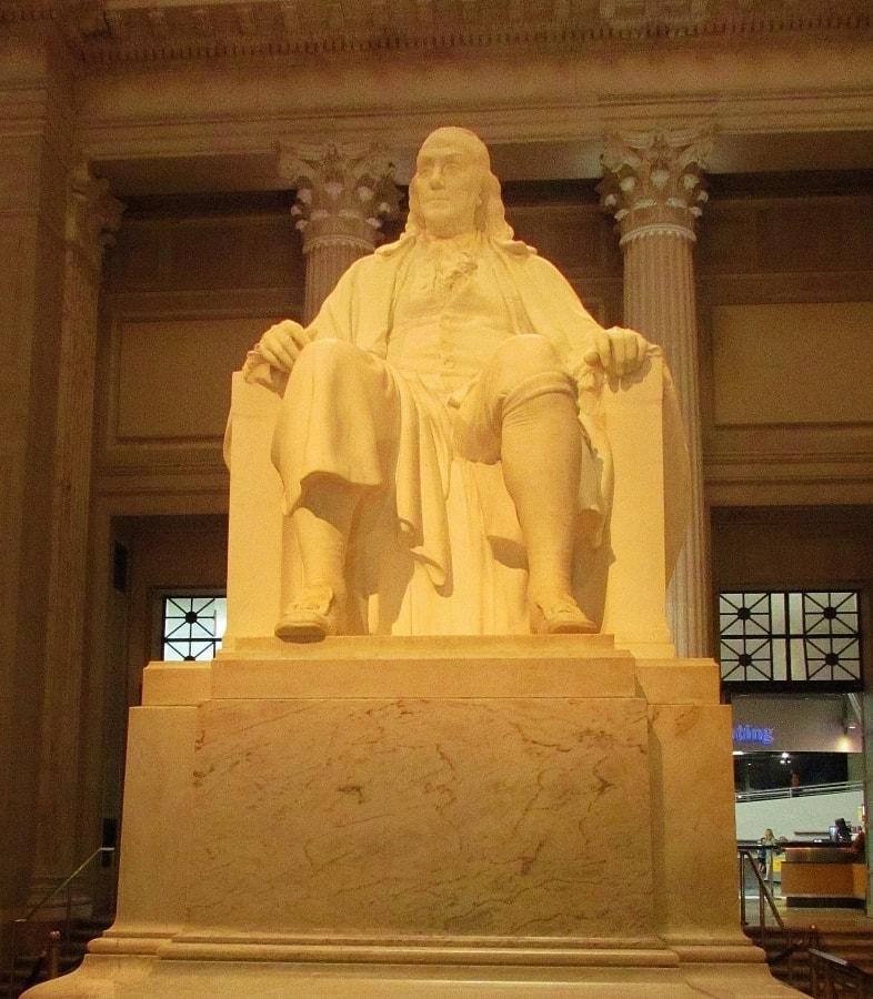 Statue of Ben Franklin.