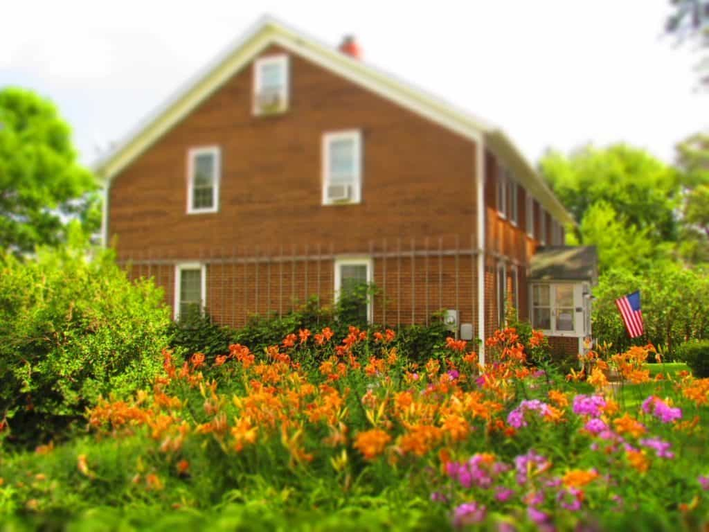 Buh-Schloss-Amana-Colonies-Iowa-AirBnB-lodging-Bed-and-breakfast