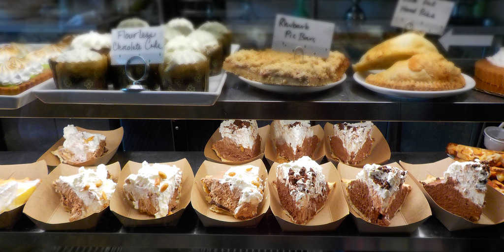 Antoinette-Baking-Company-dessert-Tuls-Oklahoma-pie-cake-cookies-pastries