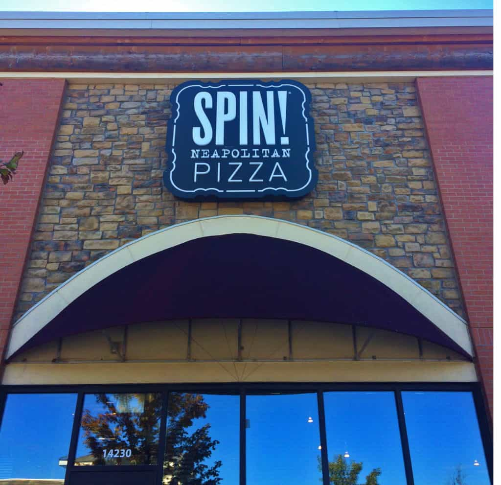 The entrance to Spin Neapolitan Pizza in Olathe, Kansas.