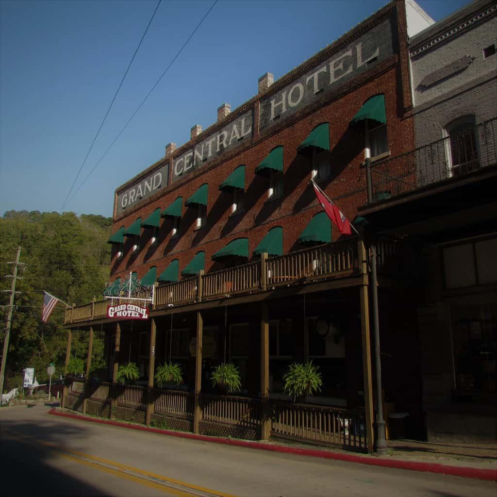 Grand Central Hotel-Eureka Springs-Arkansas-downtown lodging-historic hotel-Grand Taverne
