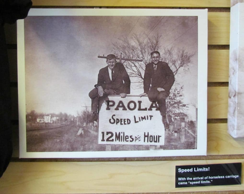 A picture from the early 1900's offers an amusing take on the introduction of automobiles.