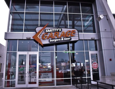 Stumbling upon Smitty's Garage was a fortunate event, since it gave us a new dining spot to add to our list.