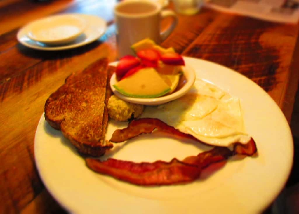 A hearty breakfast fuels visitors for a day of exploring in the Great Smoky Mountains.