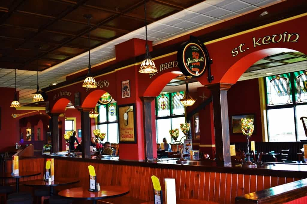 Ashling on the Lough is an inviting Irish pub located in Kenosha, Wisconsin.