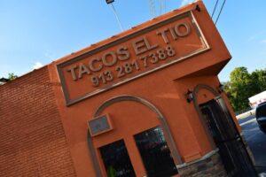 Backyard Dining at Tacos El Tio-Kansas City Kansas-restaurant-Mexican cuisine-street tacos-burrito-quesadilla