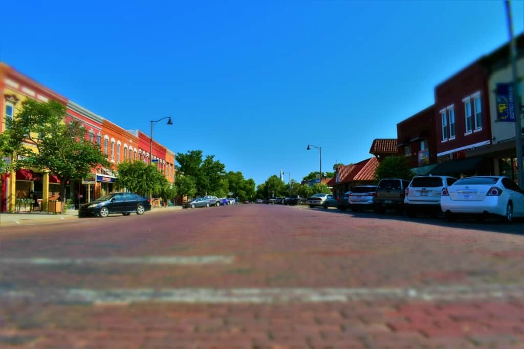 The main Street of Lindsborg, Kansas is filled with interesting shops, eateries, and attractions.