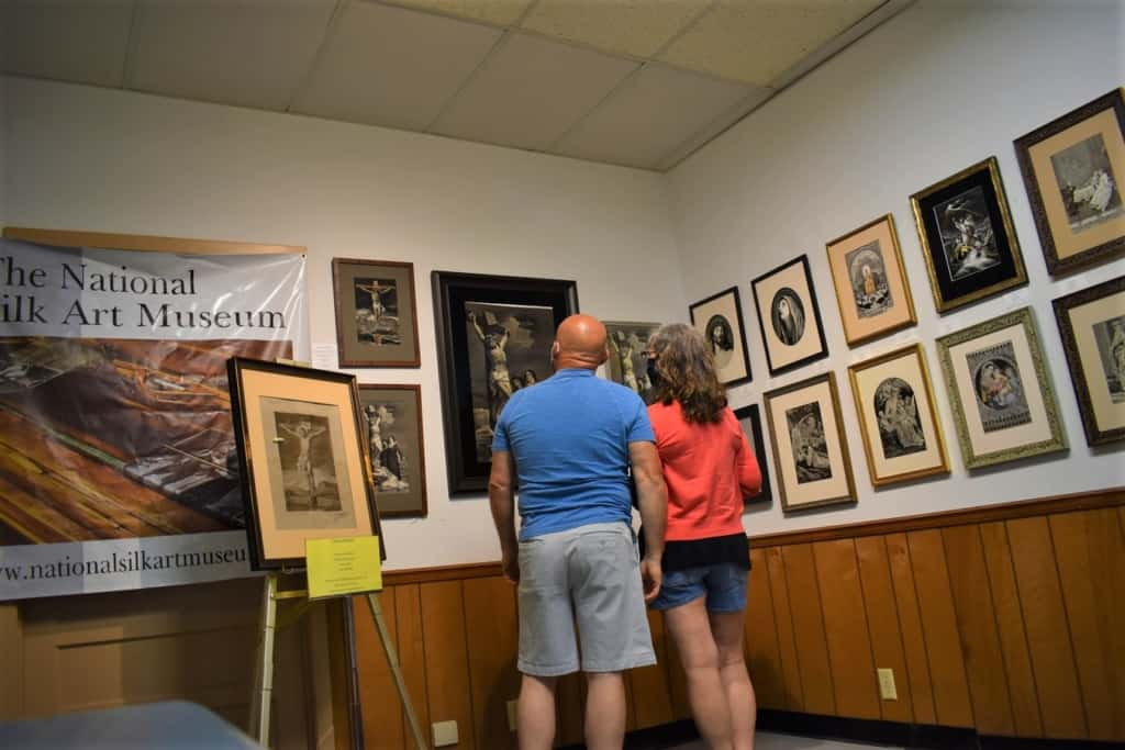 The authors explore the galleries at the national Silk Art Museum.