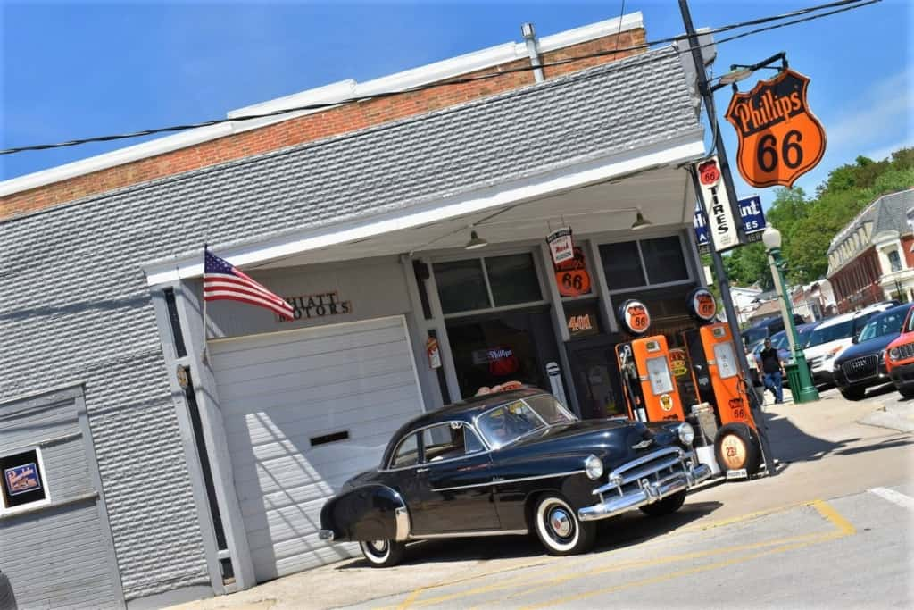 You can escape the city and find cool venues like this replica 1950s gas station in Weston, Missouri.