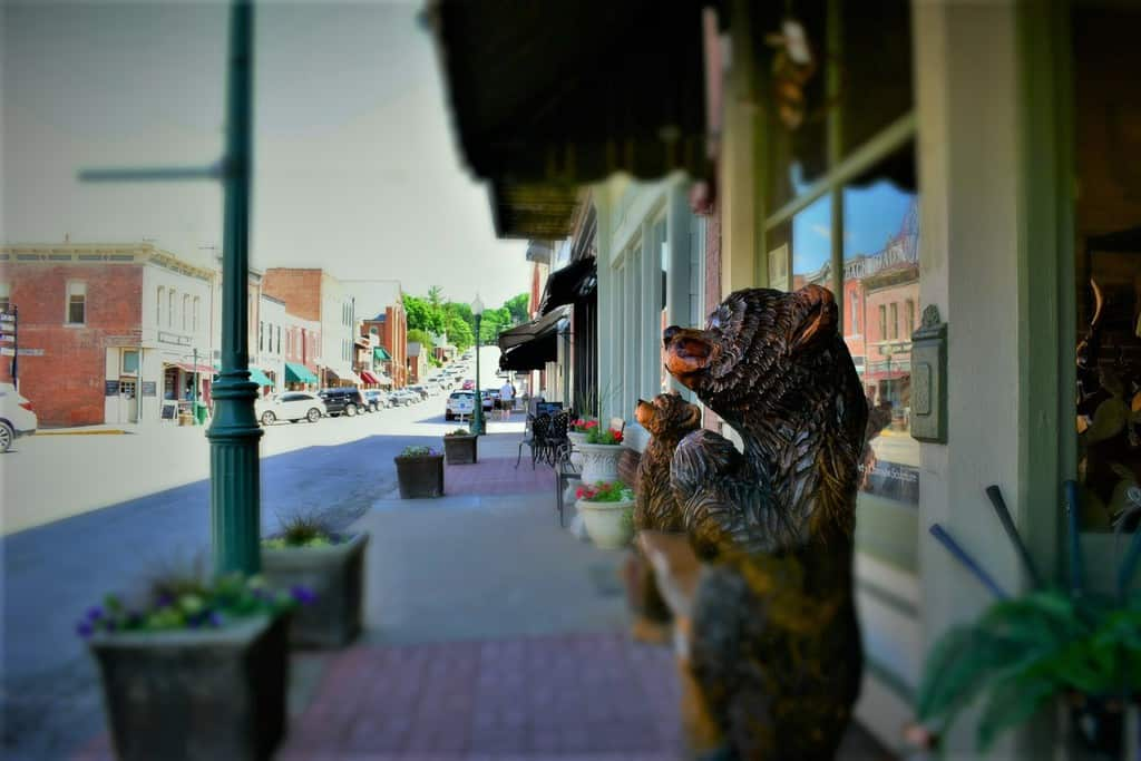 A short drive from Kansas City and you will find yourself in downtown Weston, Missouri.