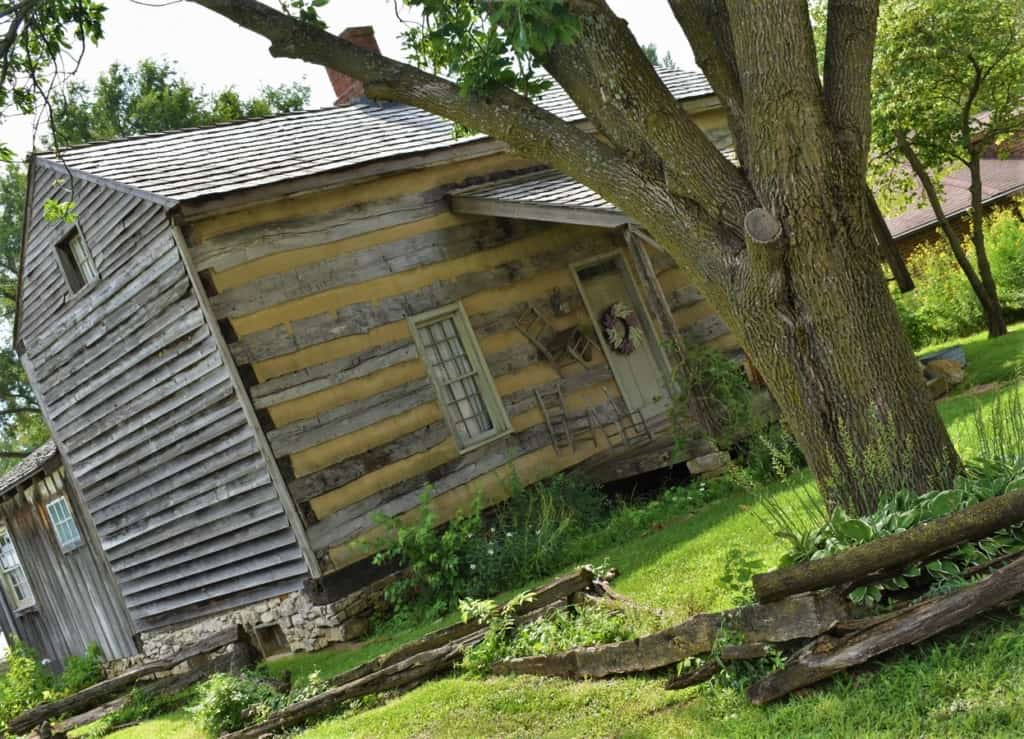 An old cabin reminds visitors of the days when bushwhackers turned bank robbers were a common sight in Missouri.