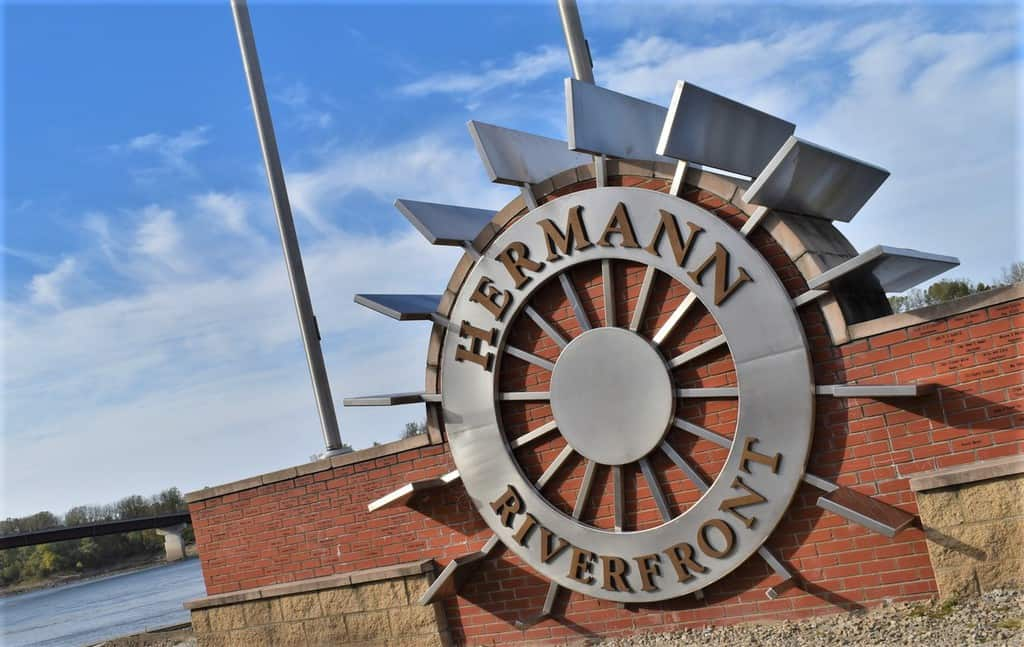 The river helped bring the german immigrants who ended up taming the wilderness of Hermann, Missouri.