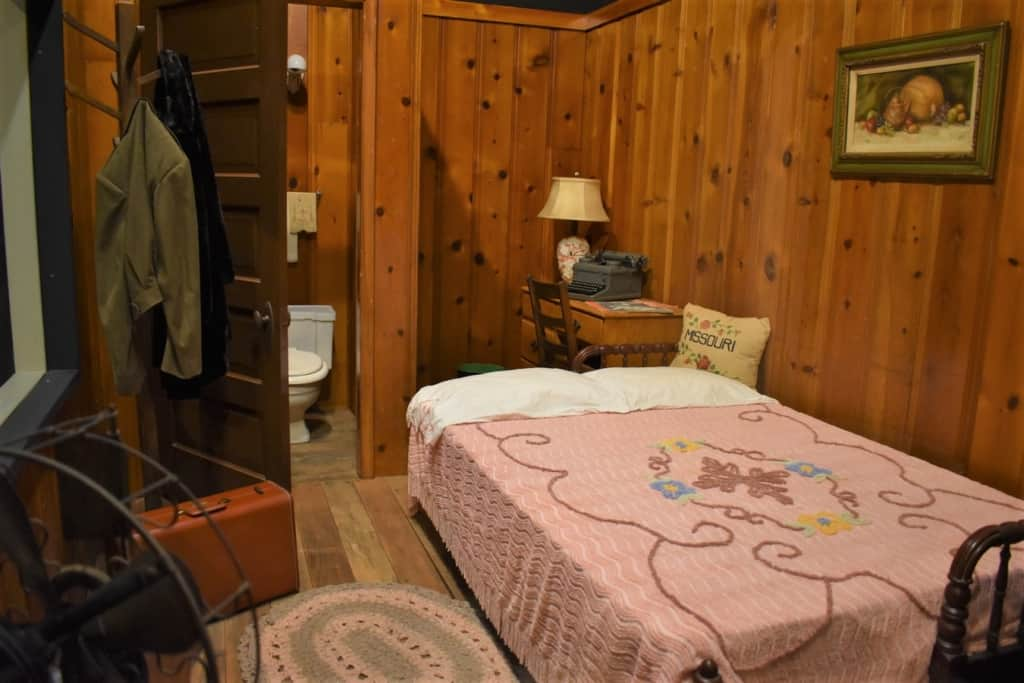 Early motor lodges offered road weary travelers a place to rest for the night.