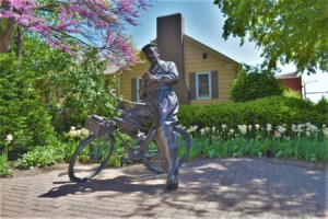 A statue of Dominie Hendrik Scholte sits in the home's gardens.