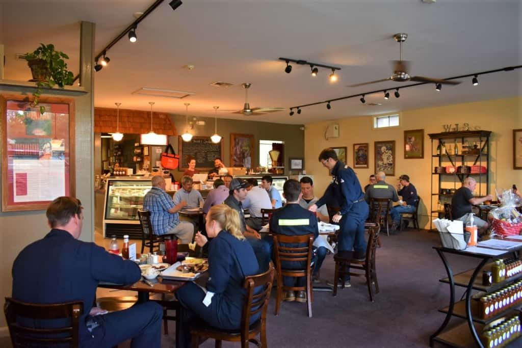 full house is what we found when we stopped for lunch at Wayne Jacob's smokehouse.